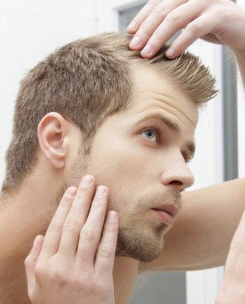أربعة نصائح لمواجهة تساقط الشعر عند الرجال