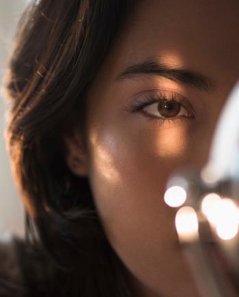 كيفية إعطاء بريق للعين؟