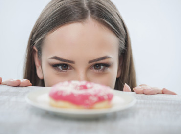 حب الشباب والتغذية: الريجيم الغذائي المناسب
