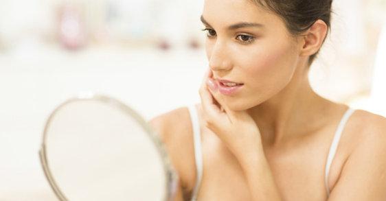Peaux adultes à imperfections: 5 astuces pour le jour, 5 conseils pour la nuit!