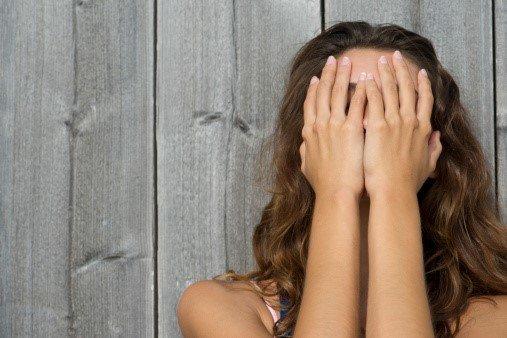 Comment masquer les cicatrices d'acné ?