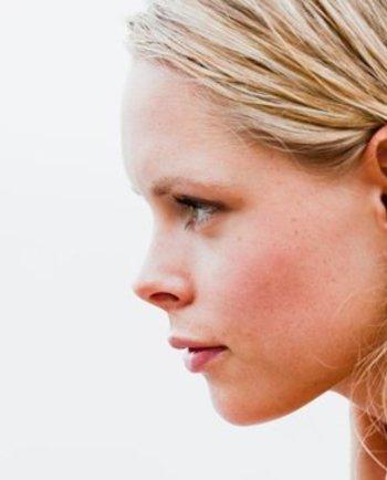 Quelle différence entre une peau sèche et une peau déshydratée ?