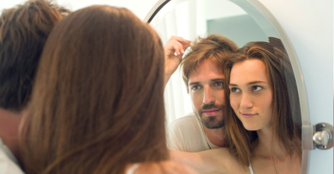 Chute de cheveux: les  causes qui font tomber les cheveux