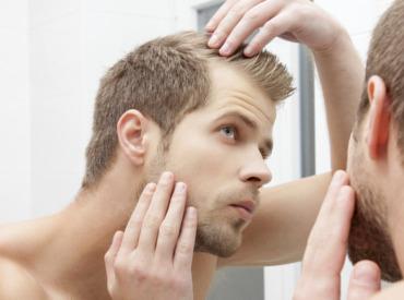 Chute de cheveuxhomme : 4 astuces contre le manque de cheveux