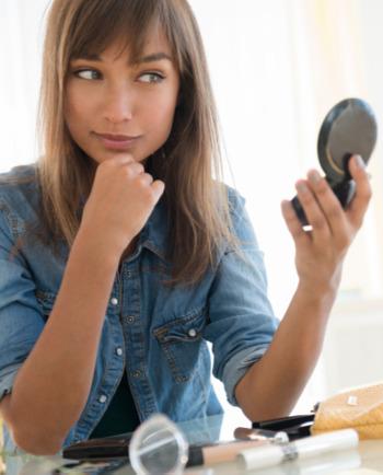 Tuto vidéo: le bon maquillage pour une peau sans brillance