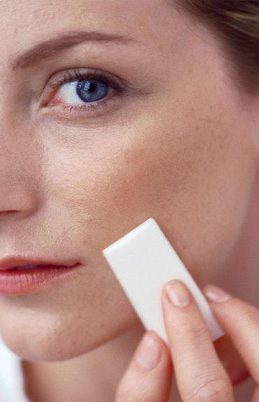 Concilier peaux sensibles et maquillage